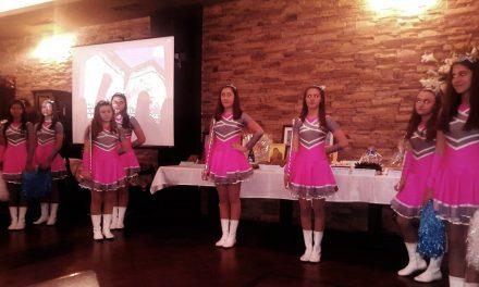 """Стилните мажоретки на ІІІОУ """"Братя Миладинови"""" откриха благотворителен търг"""